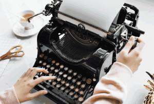 Lektorat auf Retro-Schreibmaschine